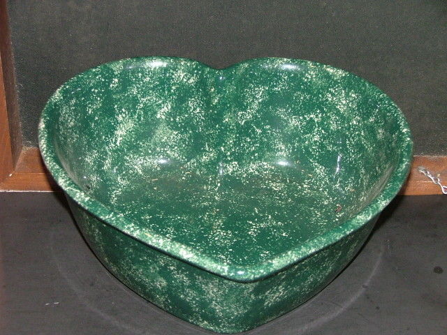 Gorgeous Heavy Deep  Heart Shaped Green Sponge Design -J-J Ceramic